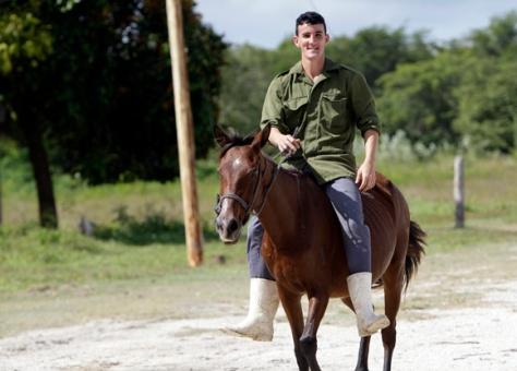 Elio a caballo