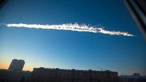 Paso+a+paso+de+cómo+cayó+el+meteorito+en+Rusia-580x327