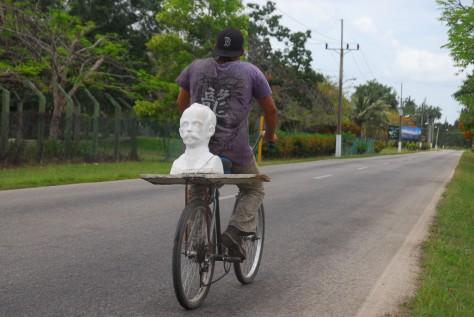 Martí en bicicleta