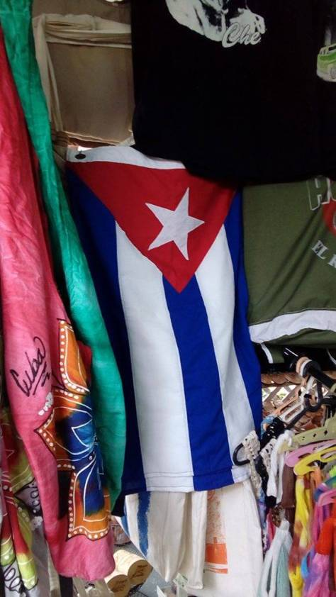 Venta-de-Bandera-cubana-580x1031